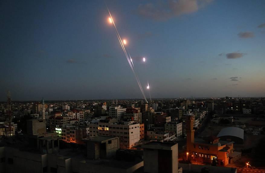 غزہ سے راکٹ حملے، تل ابیب میں 7 صہیونی زخمی