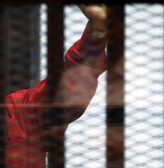 مصر کے سابقہ صدر محمد مرسی کمرہ عدالت میں انتقال کر گئے
