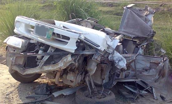 پاکپتن نور پور میں دو تیز رفتار کاریں ریس لگاتے ٹکرا گئیں، چار افراد جاں بحق