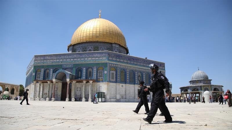 درجنوں صہیونی آبادکاروں نے پولیس کی سخت سکیورٹی میں مسجد اقصیٰ کی بے حرمتی کی