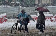 جموں کشمیر میں شدید برفباری بھارتی فوج کے 4 اہلکاروں سمیت9 افراد ہلاک