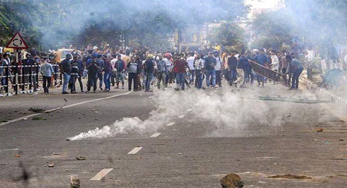 بھارت : متنازع بل مظاہرین پر فائرنگ 2افراد ہلاک متعدد زخمی
