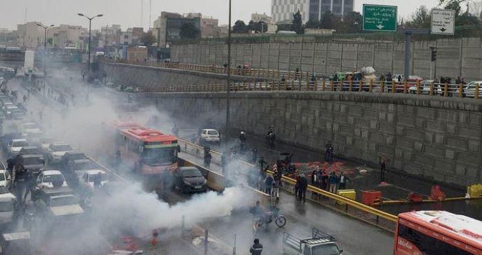 ایران احتجاج کےدوران ایک شہر میں 40 مظاہرین ہلاک،330 زخمی