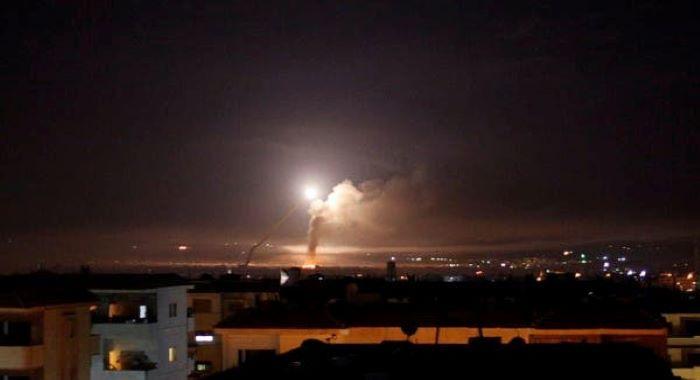 شام : حماہ اور التیفور کے فوجی اڈوں پر اسرائیل کی بم باری