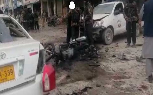 کوئٹہ پریس کلب کے قریب دھماکا،دو پولیس اہلکاروں سمیت8 افراد شہید، 23 زخمی