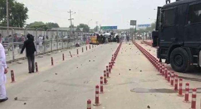 نیب لاہور آفس کے باہر لیگی کارکن مشتعل، پولیس سے جھڑپیں