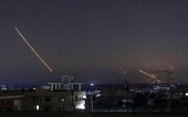 دمشق کی فضاؤں میں دھماکے  ، شام کے جنوب میں اسرائیل کا میزائل حملہ